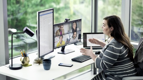 Enterprise employee in Microsoft Teams meeting